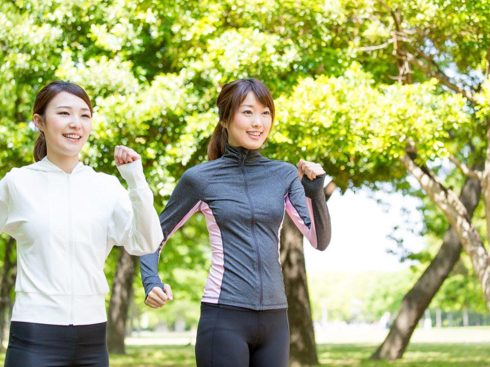 スロージョギングをお友達と実践する様子