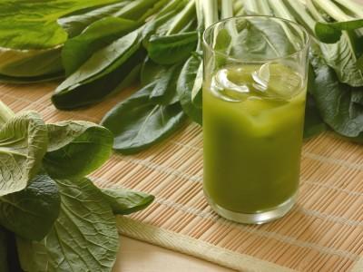 青汁と緑の野菜