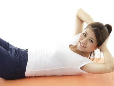 正しい腹筋運動、女性