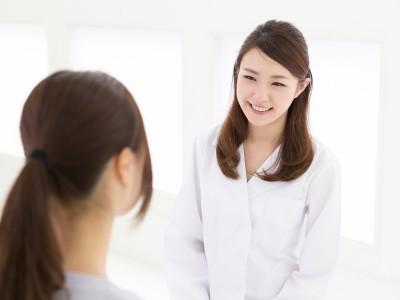 助産師に相談する患者