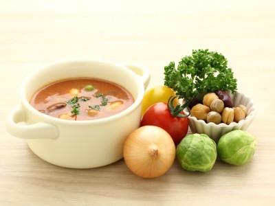 トマトスープと材料