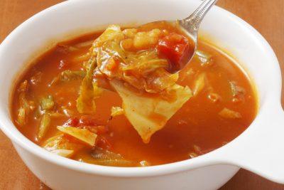 脂肪燃焼スープを食べるところ