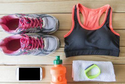運動に必要な衣類や道具