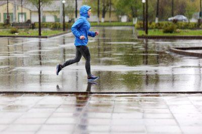 雨の日に走る様子