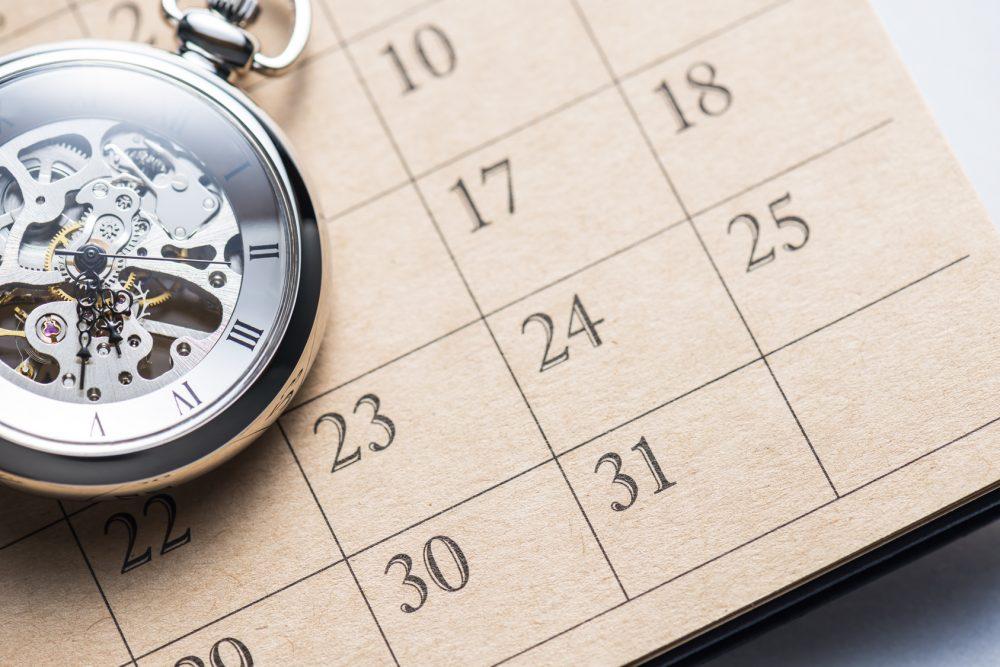 48時間をイメージさせる時計とカレンダー