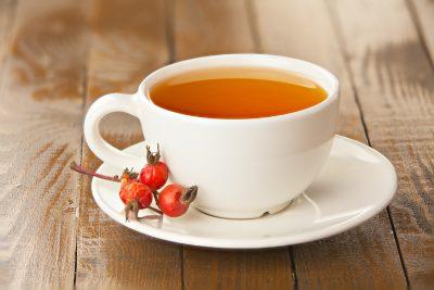 紅茶にローズヒップ