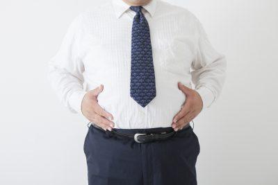 太りすぎている男性