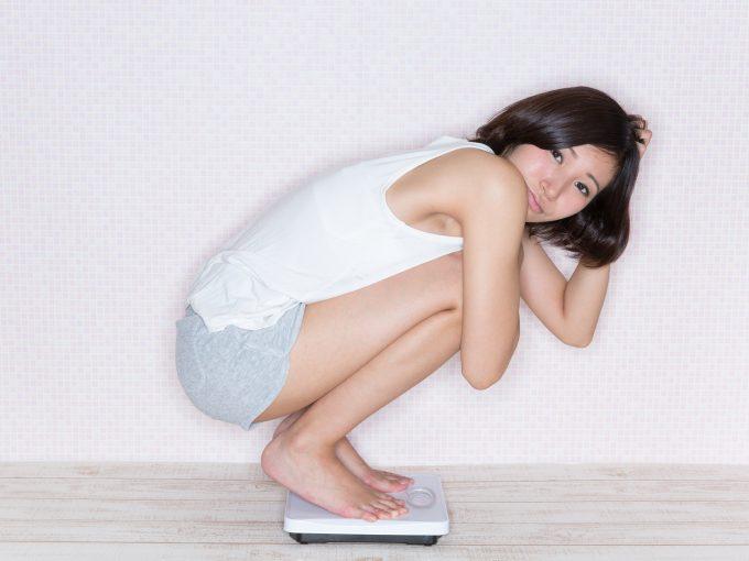 ダイエットの停滞期で悩む女性