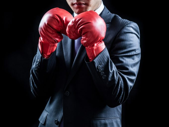 ビジネスマン、ボクシンググローブ