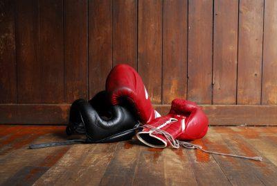 ボクシンググローブとヘッドギア