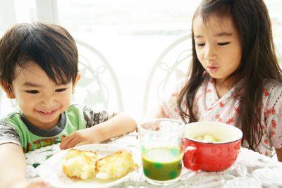 子ども 朝食と青汁