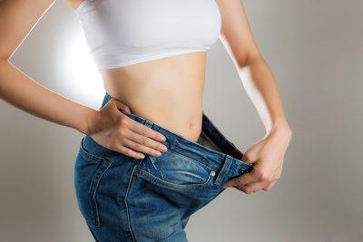 15キロ痩せに成功してジーパンが緩くなった女性