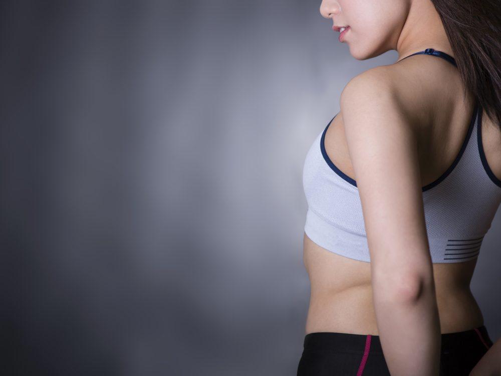 ダイエットをする女性のイメージ