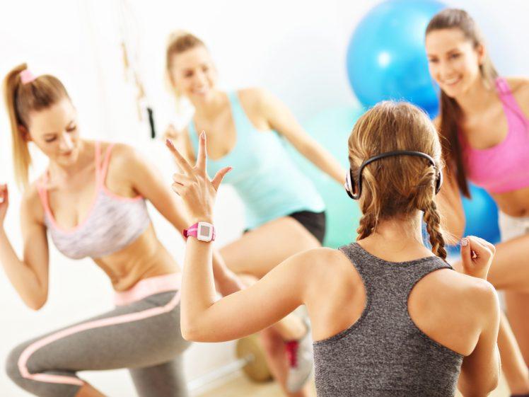 ダンスダイエットをする女性たち