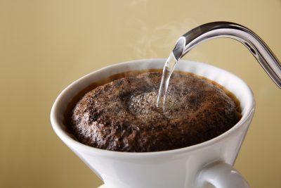 ドリップコーヒーを作る様子
