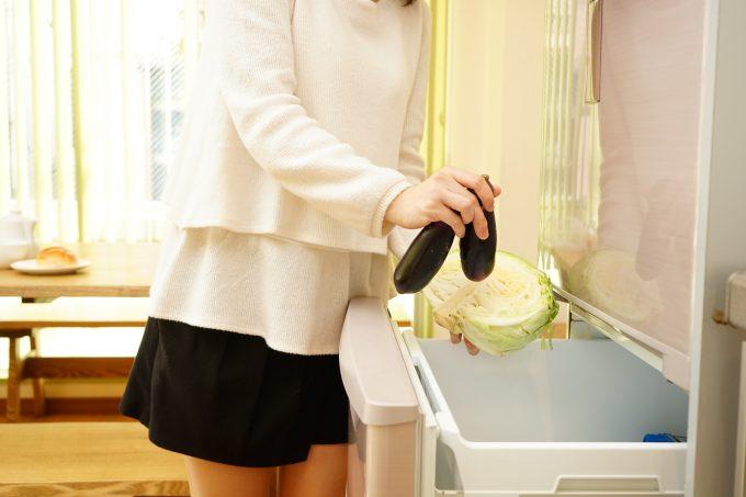 野菜だけダイエットに挑戦している女子高生