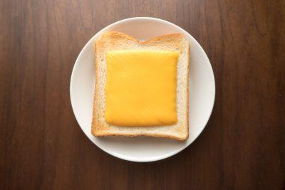 スライスチーズトースト