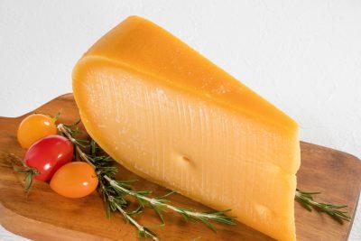 チェダーチーズ Cheddar cheese