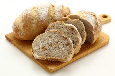胡桃と全粒粉のパン