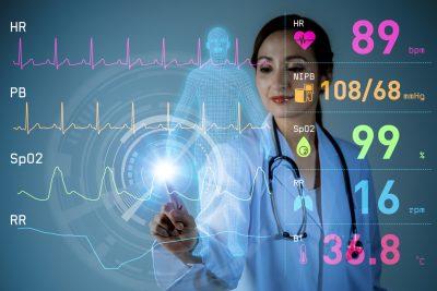 医師と心拍数データ
