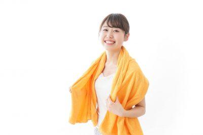 岩盤浴をしてすっきりした女性