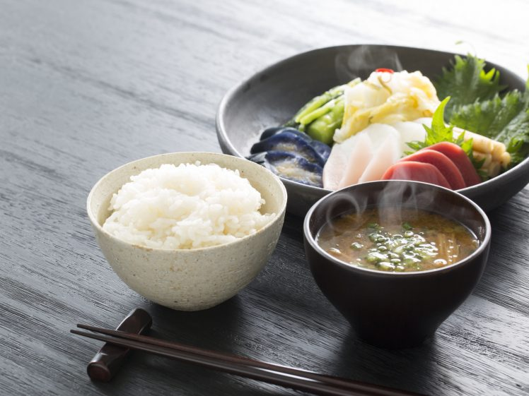 粗食 ご飯・味噌汁・漬物