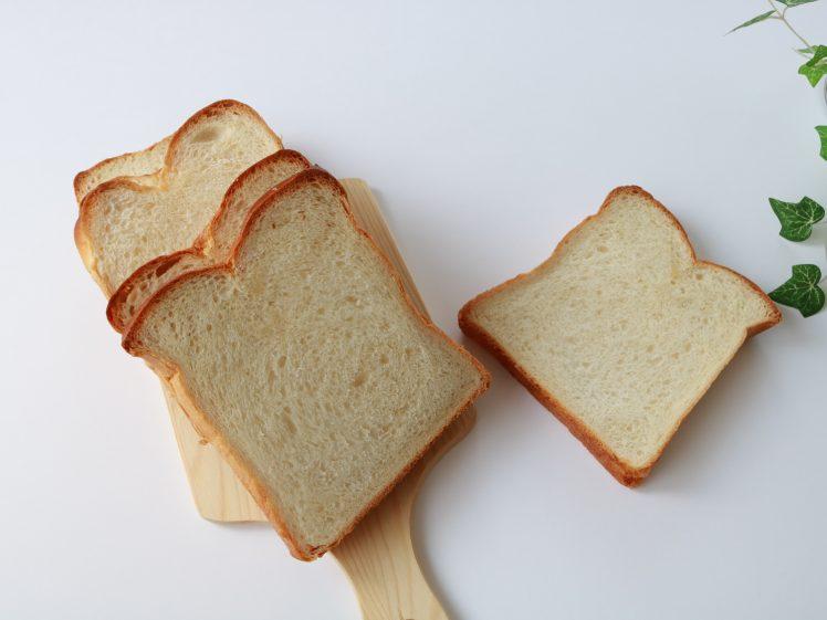 パンダイエットを象徴 スライスした食パン