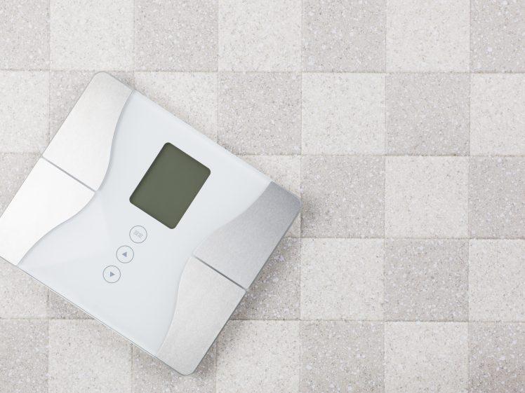ダイエットに役立つ高機能な体重計