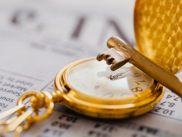 時計と鍵(タイミングダイエットを象徴)