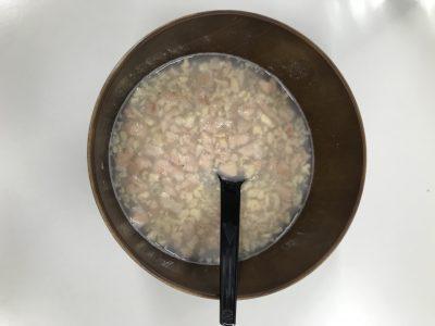 ヘルシースタイル雑炊にご飯を入れお湯を注いだもの